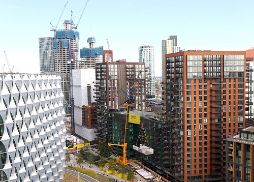 Sky Pool structure raised into place at Embassy Gardens