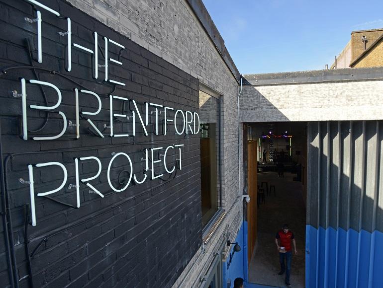 欣欣向荣的布伦福德项目(The Brentford Project)