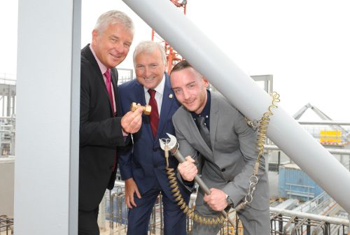 New Birmingham landmark tops out with a midas touch