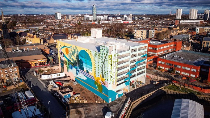 The Brentford Project partners with Hixxy on Town Centre Mural